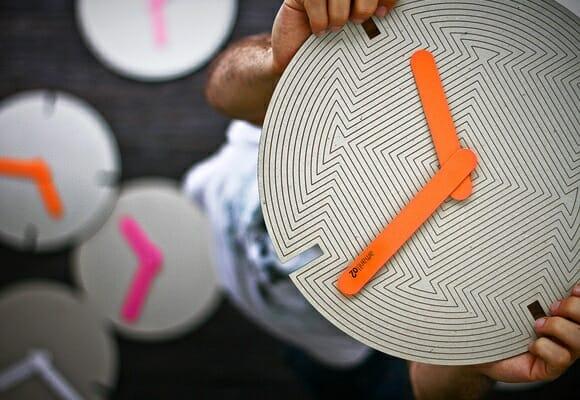 Amarillo2 - Relógios de parede hipnotizantes feitos de papel. [UPDATED]