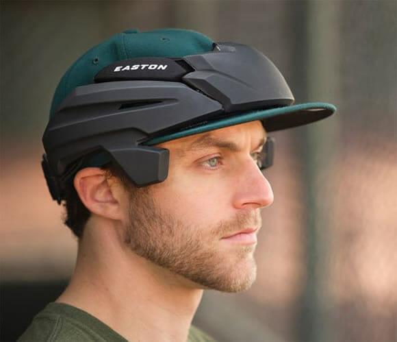 Empresa cria protótipo futurista de capacete dedicado a jogadores de beisebol.