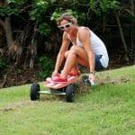 Fiik - Um skate elétrico com controle remoto sem fio e freios ABS.