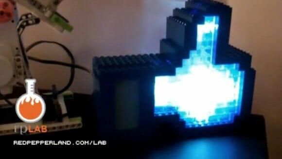 LikeLight - O ícone Curtir do Facebook feito de LEGO que se acende sempre que alguém curte uma página. (com vídeo)