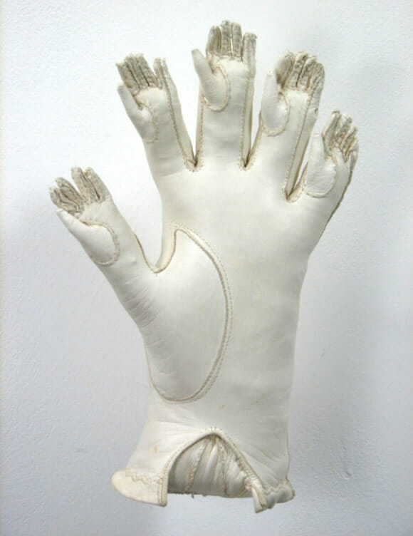 Uma luva para quem tem 5 ou 25 dedos em cada mão, tanto faz.