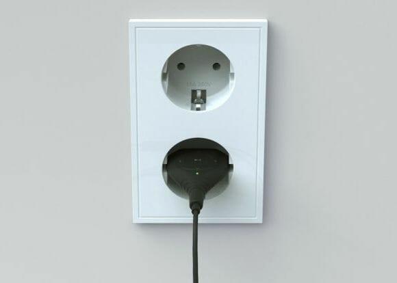 Plug and Play - Um curioso MP3 player em forma de plugue de tomadas.