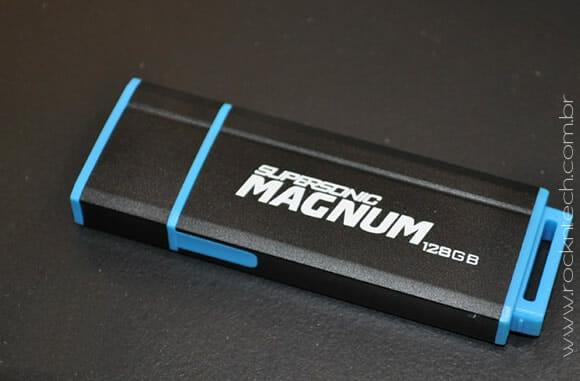 Um pen drive USB 3.0 com 128 GB de capacidade está bom para você?
