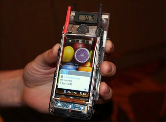 Película Solar pode ser a solução do problema de baterias em celulares e smartphones.