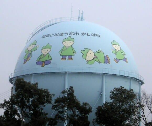 Tanques de gás decorados? Só podia ser no Japão!