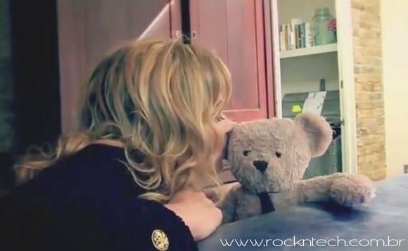 VIDEOFUN - Misery Bear e Kate Moss em: Me Patrocine!