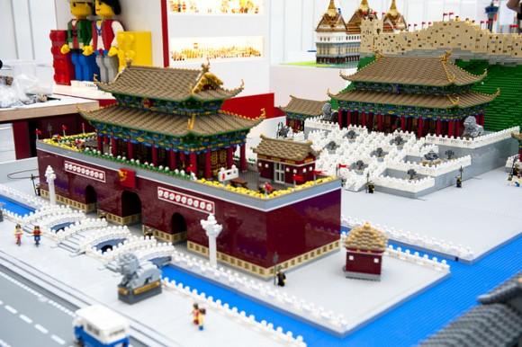 LEGO exhibition 2011 - Começa o espetáculo para os fãs da LEGO em Hong Kong.