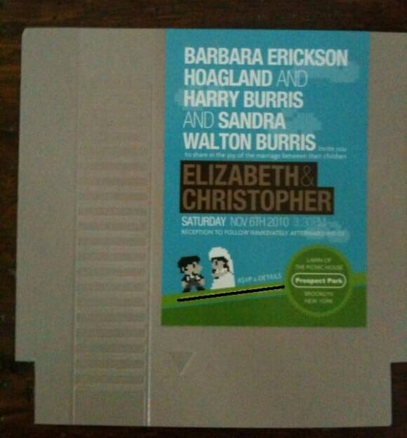 Um convite de casamento em um cartucho do Nintendinho 8-bits. Genial!