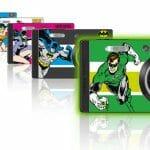 Pentax lança linha de câmeras digitais personalizadas com heróis da DC Comics.