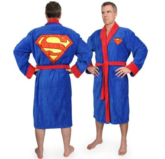 Sinta-se um herói com os roupões de banho do Super-Homem, Batman e Rocky Balboa.