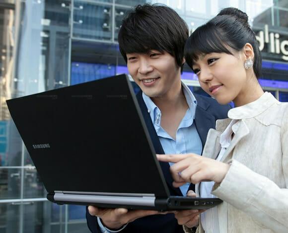 Samsung lança Notebook super resistente capaz de suportar até 1 Tonelada de pressão.