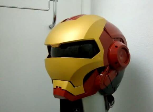 Imagine se todos os motociclistas usassem capacetes assim (com vídeo)