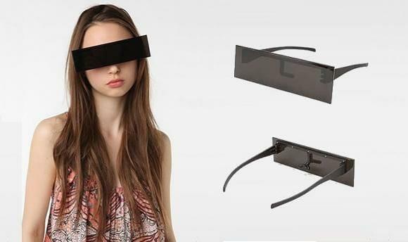 """Óculos de sol """"Censurado"""" indicado para menores de idade."""