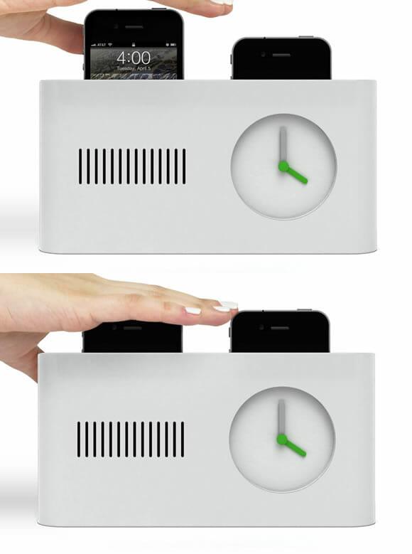 Pop Starter - Um despertador com doca para iPhone e formato de torradeira