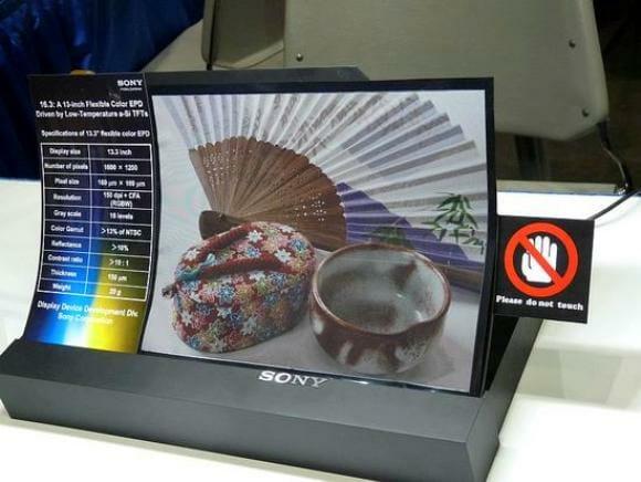 Novo display flexível da Sony provavelmente estará em jornais e revistas do futuro.