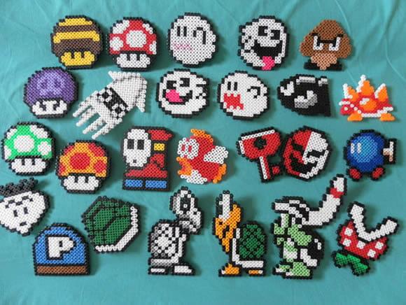 Ímãs do Super Mario deixam a geladeira com um visual divertido.