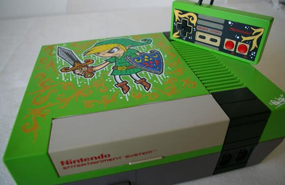 Nintendinho 8-bits customizado com desenhos do game The Legend Of Zelda.