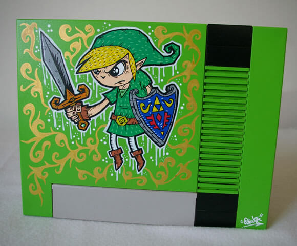 Nintendinho 8-bits customizado com desenhos do game The Legend Of Zelda.