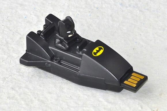 Batman e seu Batmóvel irão proteger seus arquivos!