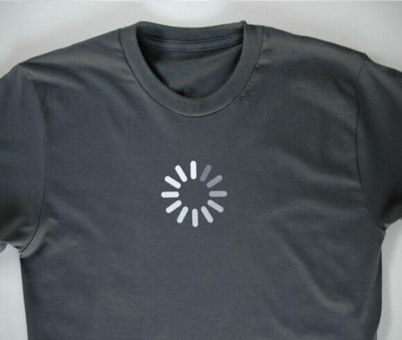 Camiseta Loading para os que vivem esperando por algo ou alguém.