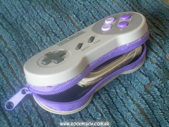Carteira geek feita com um controle original do Super Nintendo!