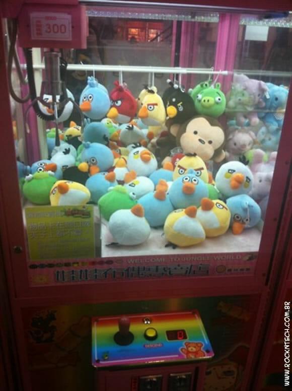 Máquina de pelúcia do Angry Birds - Nessa todos vão querer jogar!