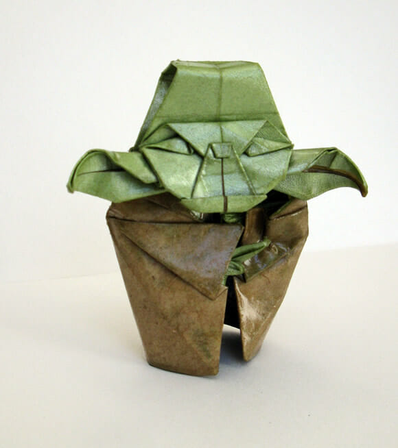 Origami do Mestre Yoda para fãs de Star Wars.