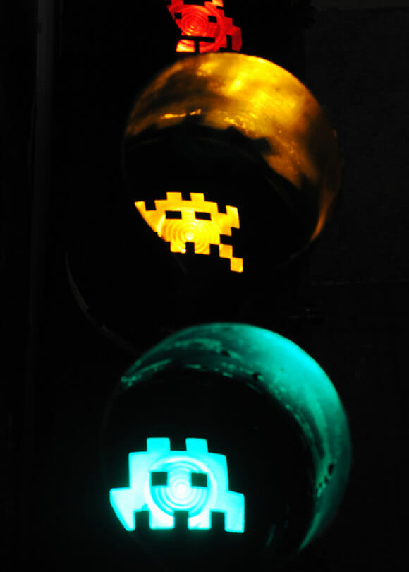 Semáforo Space Invaders.
