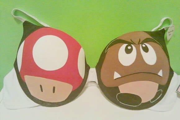 Sutiãs geeks do Super Mario e Pokémon
