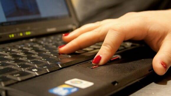 Pesquisadores inventam método que recarrega a bateria do seu Notebook enquanto você tecla.