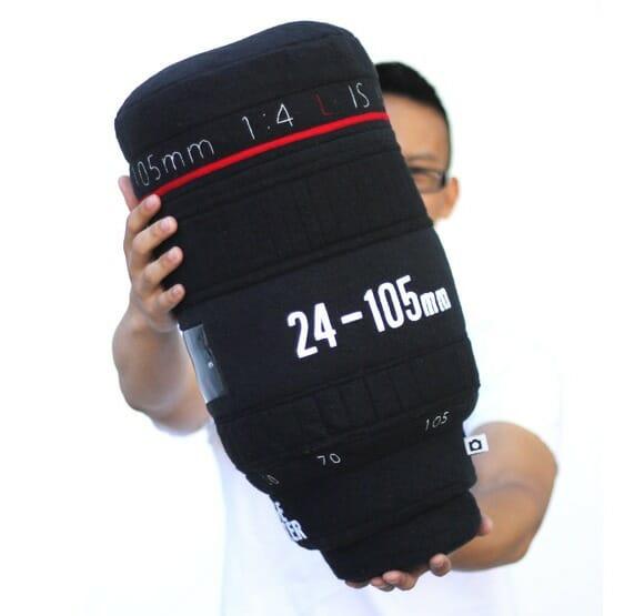 Almofada em forma de lente de câmera fotográfica para apaixonados por fotografia