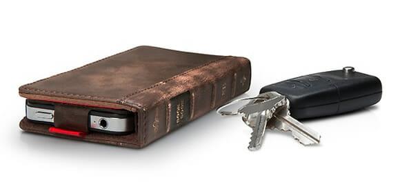 Capa para iPhone com aparência de livro serve também como carteira (com vídeo)