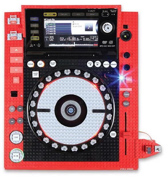 Pickup de DJ de geek tem que ser feita de LEGO! (com vídeo)