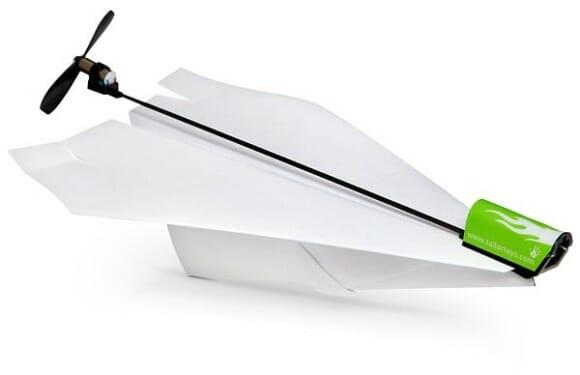 Turbine seus aviões de papel com um motor elétrico de verdade! (com vídeo)