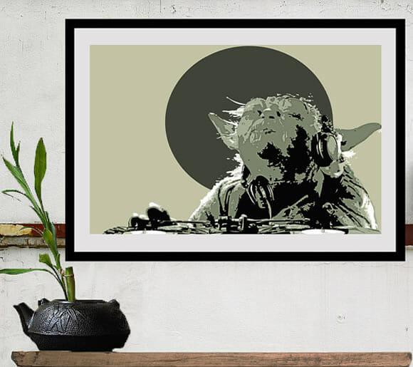 Casa de geek tem que ter quadros de Star Wars na parede!