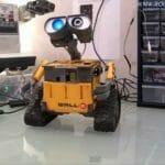 Um Wall-E que fala, enxerga, se movimenta e atende a comandos de voz! (com vídeo)