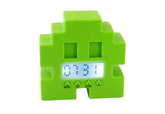 Despertador Space Invader se move de um lado para o outro e emite sons iguais ao do jogo