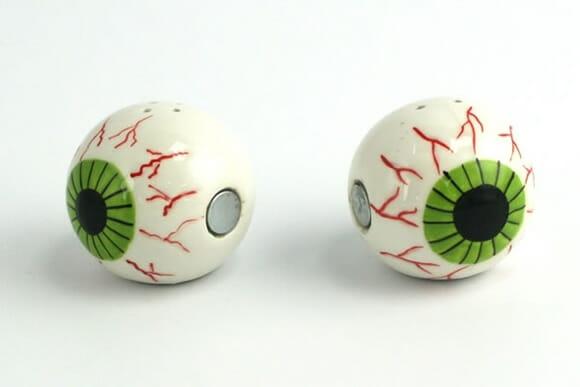 Eyeball te ajuda a comer com os olhos!