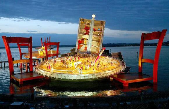 Os incríveis palcos flutuantes do Festival de Bregenz na Áustria