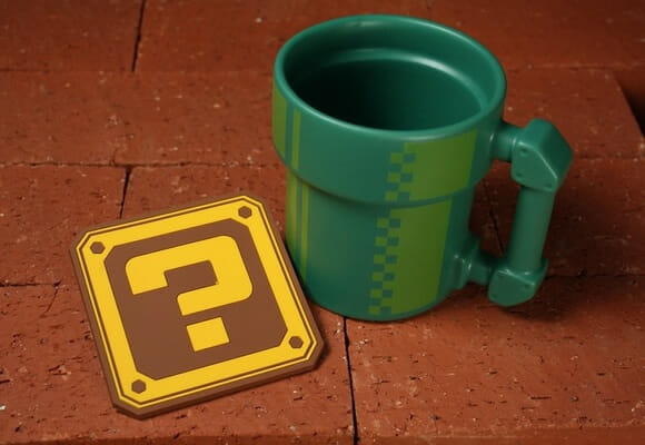 Caneca Tubo Verde e porta copos de Blocos do game Super Mario. I WANT!!!