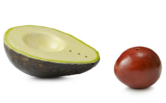 Saleiro e pimenteiro em forma de Abacate.