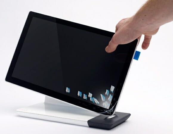 Tablet PC conceito com sistema de backup via derramamento. Hã?! (com vídeo)