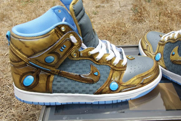 Nikes customizados inspirados no game Starcraft