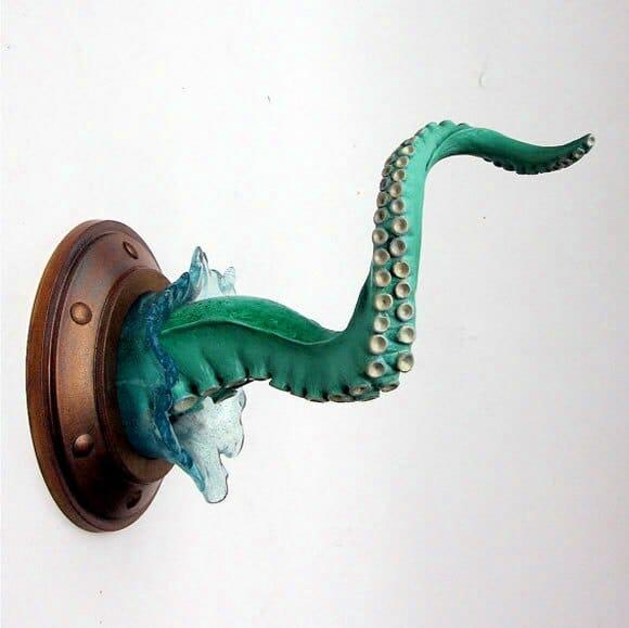 Mais um Tentáculo diferente para decorar o quarto. Agora também com água!