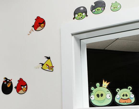 Adesivos de parede do Angry Birds para decorar a casa toda!