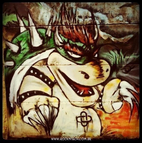 Arte geek de rua: Grafite do Super Mario.