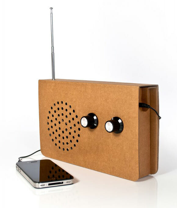 Cardboard Radio - Um rádio ecologicamente correto feito de papelão.