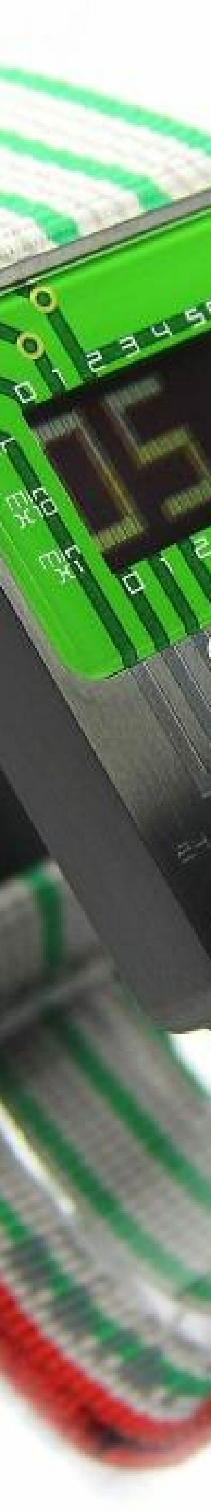 529bee3fe27 Fuja do padrão com relógios de pulso retrô inspirados em componentes  eletrônicos!