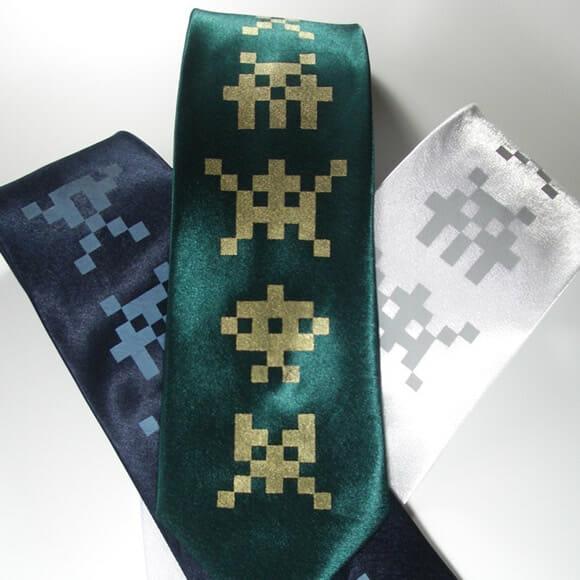 Gravata dos Space Invaders para eventos geeks