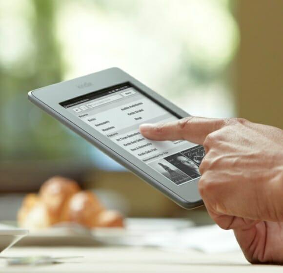 Amazon anuncia novos Kindles, entre eles o Fire, menor, mais leve e com display colorido.